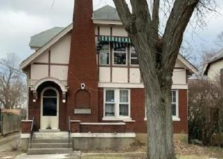 Foreclosed Home in Cincinnati 45211 URWILER AVE - Property ID: 4389680830