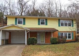 Foreclosed Home in Parkersburg 26104 WILLOWBROOK DR - Property ID: 4389683900
