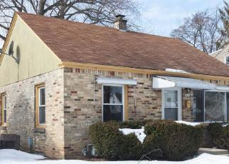 Foreclosed Home in Milwaukee 53222 N 88TH ST - Property ID: 4389778941
