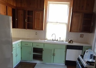 Foreclosed Home in Berkeley Springs 25411 FAIRFAX ST - Property ID: 4389974256