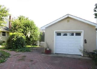 Foreclosed Home in Hicksville 11801 MYERS AVE - Property ID: 4390070626