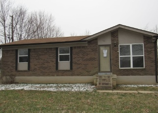 Foreclosed Home in Radcliff 40160 MILLER AVE - Property ID: 4390148585