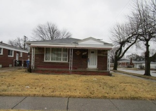 Foreclosed Home in Dearborn Heights 48125 DUDLEY ST - Property ID: 4390372384