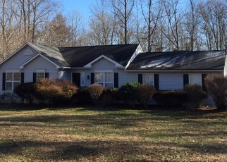 Foreclosed Home in Palmyra 22963 OAK CREEK RD - Property ID: 4390428440