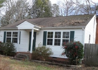 Foreclosed Home in Chester 23831 CHESTER RD - Property ID: 4390438971