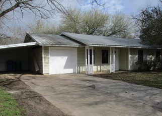 Foreclosed Home in Elgin 78621 E 2ND ST - Property ID: 4390489313