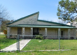 Foreclosed Home in Lometa 76853 3RD ST - Property ID: 4390501136