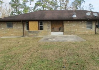 Foreclosed Home in Sour Lake 77659 PINEHURST DR - Property ID: 4390504207
