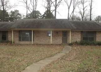 Foreclosed Home in Crockett 75835 BRIARGROVE ST - Property ID: 4390520415
