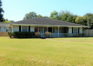 Foreclosed Home in Groves 77619 HOWE ST - Property ID: 4390559847