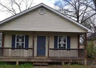 Foreclosed Home in Chattanooga 37404 S WILLOW ST - Property ID: 4390607127