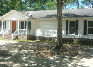 Foreclosed Home in Lugoff 29078 OAK ST - Property ID: 4390716186