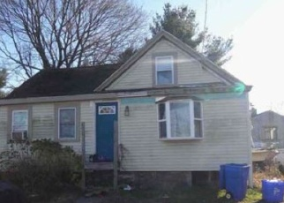 Foreclosed Home in Warren 02885 VERNON ST - Property ID: 4390717507