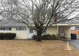 Foreclosed Home in Warwick 02888 INDEPENDENCE DR - Property ID: 4390723641