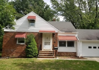 Foreclosed Home in Cleveland 44121 BROOKLINE RD - Property ID: 4390896641