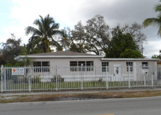 Foreclosed Home in Miami 33162 NE 159TH ST - Property ID: 4391268478