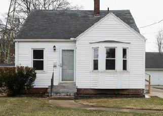 Foreclosed Home in Toledo 43614 S DETROIT AVE - Property ID: 4391336812