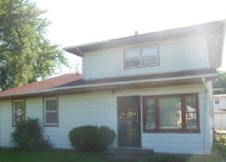 Foreclosed Home in Gary 46404 WHITCOMB ST - Property ID: 4391389801