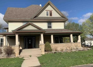 Foreclosed Home in Hiawatha 66434 N 8TH ST - Property ID: 4391403819