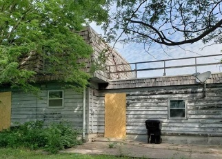 Foreclosed Home in Topeka 66605 SE HOWARD DR - Property ID: 4391408186