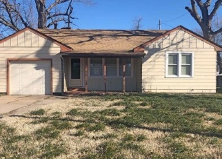 Foreclosed Home in Hutchinson 67502 W 25TH AVE - Property ID: 4391432278
