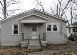Foreclosed Home in Terre Haute 47802 S 6TH ST - Property ID: 4391478264