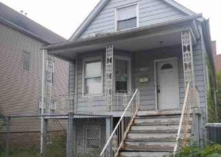 Foreclosed Home in Chicago 60617 S MARQUETTE AVE - Property ID: 4391549208