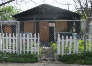 Foreclosed Home in Sacramento 95815 EDGEWATER RD - Property ID: 4391729666