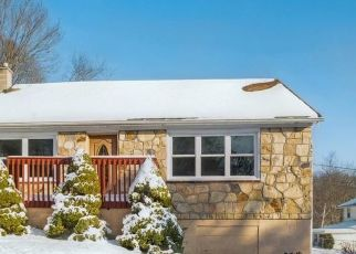 Foreclosed Home in Scranton 18504 NEWTON RD - Property ID: 4391918427