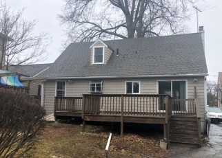 Foreclosed Home in Stamford 06902 BURWOOD AVE - Property ID: 4392051578