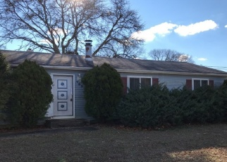 Foreclosed Home in Brick 08723 PINE DR - Property ID: 4392095367