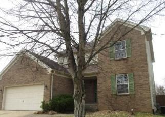 Foreclosed Home in Louisville 40214 AUBURN OAKS CT - Property ID: 4392120780