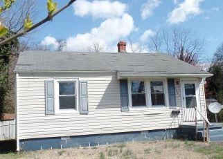 Foreclosed Home in Richmond 23222 SAVANNAH AVE - Property ID: 4392643271