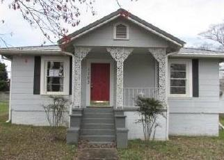 Foreclosed Home in Valley 36854 32ND ST - Property ID: 4392734826