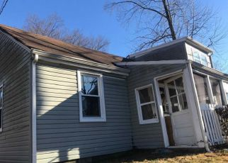 Foreclosed Home in Levittown 19056 NEWPORTVILLE RD - Property ID: 4393055409