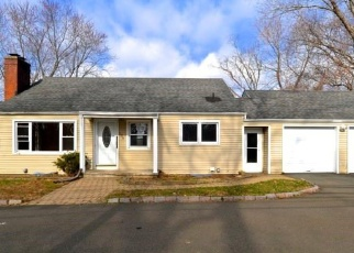 Foreclosed Home in North Branford 06471 BRANFORD RD - Property ID: 4393172348