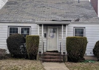 Foreclosed Home in Uniondale 11553 MIDWOOD ST - Property ID: 4393180681
