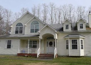 Foreclosed Home in Coram 11727 HOMESTEAD DR - Property ID: 4393185941