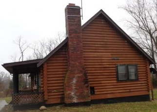 Foreclosed Home in Otisco 47163 PFISTER RD - Property ID: 4393259507