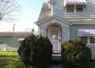 Foreclosed Home in Huntington 25703 GUTHRIE CT - Property ID: 4393279205