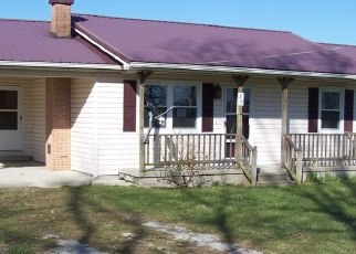 Foreclosed Home in Crossville 38571 PLATEAU FIRETOWER RD - Property ID: 4393282278