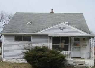 Foreclosed Home in Garden City 48135 HELEN ST - Property ID: 4393428115