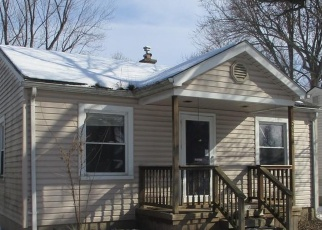Foreclosed Home in Redford 48240 MACARTHUR - Property ID: 4393429441