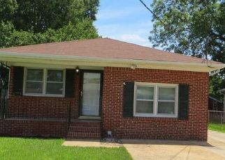 Foreclosed Home in Chesapeake 23325 LINDEN AVE - Property ID: 4393476747