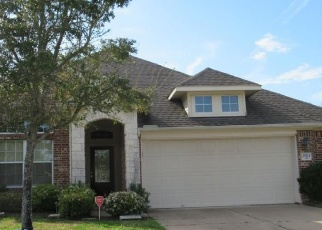 Foreclosed Home in Pearland 77581 PLANTAIN LILY CT - Property ID: 4393511787