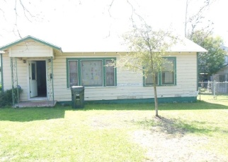 Foreclosed Home in San Marcos 78666 W HOPKINS ST - Property ID: 4393538501