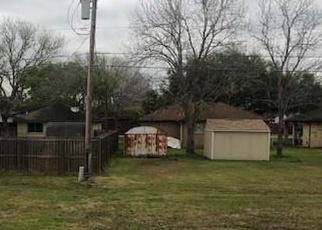Foreclosed Home in Danbury 77534 AVENUE K - Property ID: 4393559972