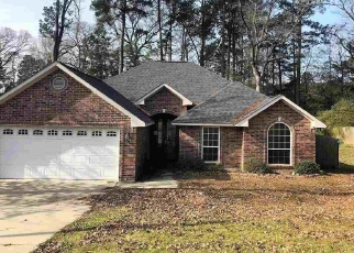 Foreclosed Home in Marshall 75672 TOWN OAKS DR - Property ID: 4393575730
