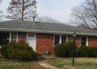 Foreclosed Home in Belleville 62220 RIDGECREST DR - Property ID: 4393717179