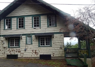 Foreclosed Home in Coos Bay 97420 N 2ND ST - Property ID: 4393785964
